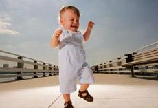 秋天怎么给宝宝穿衣服更科学 7个小技巧赶紧get起来