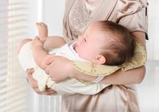 科学解释宝宝枕着大人胳膊睡觉好吗  看完以后恍然大悟
