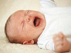 宝宝一到晚上就哭闹并非巧合  十有八九是它在作怪