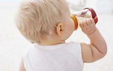 宝宝喝水多但是尿少的两大原因  看看你家宝宝是哪一个