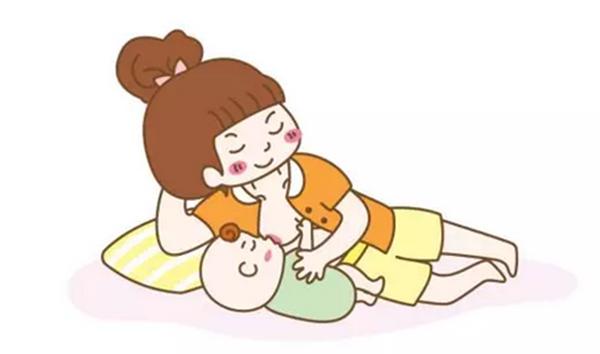 有了正确喂奶的姿势图片 产后喂奶感觉舒服多了!