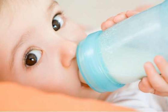 宝宝吃什么奶粉最好 深受消费者喜爱的六大品牌推荐