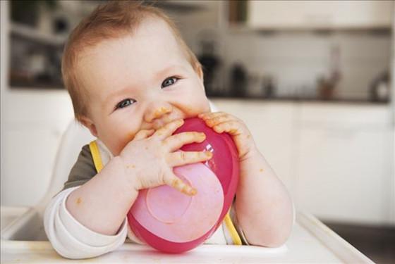 八个月的宝宝吃什么好 是六个月后宝宝辅食添加的又一关键