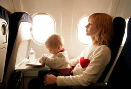 带宝宝坐飞机的6大注意事项  说实话,你