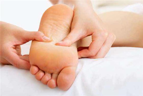 按摩是消肿最好的办法 支招孕妇脚肿按摩哪些地方