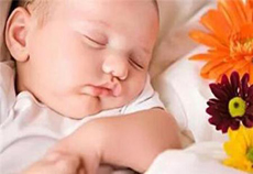 宝宝睡着哭一声又睡了怎么回事   五大原因揭开谜底