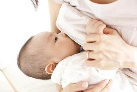 关于哺乳期感冒发烧能喂奶吗的问题 专家这样建议