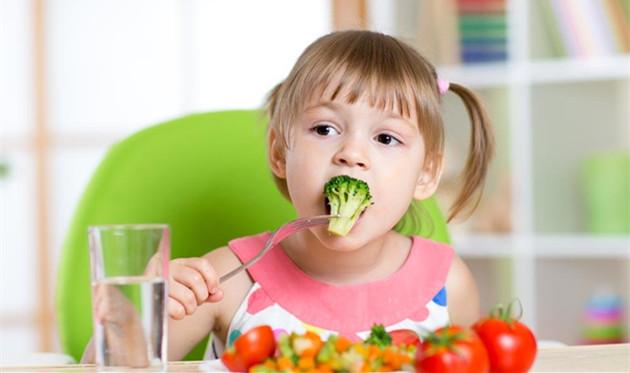 孩子不喜欢吃蔬菜水果好发愁 这些技巧让他天天吃不够