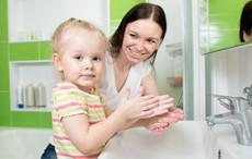 小班健康教案《我会洗手》 养成洗手好习惯
