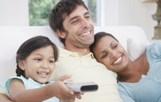 孩子经常看电视居然会长不高 孩子看电视的危害太震惊了