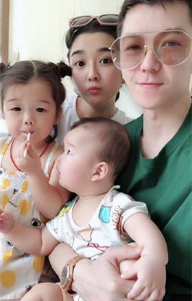 王栎鑫的女儿儿子叫什么名字 高调秀恩爱晒萌娃画面好有爱