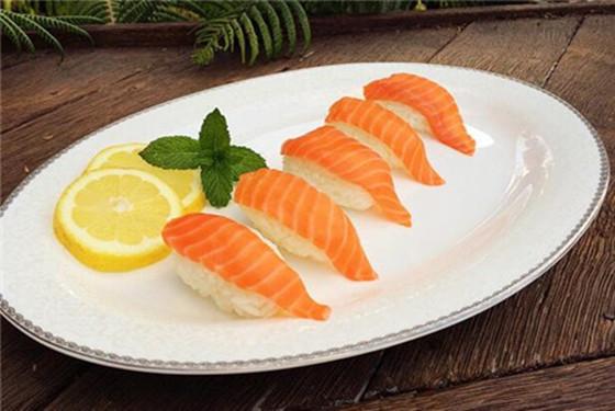 【三文鱼怎么吃】三文鱼怎么做给宝宝吃的方法大全