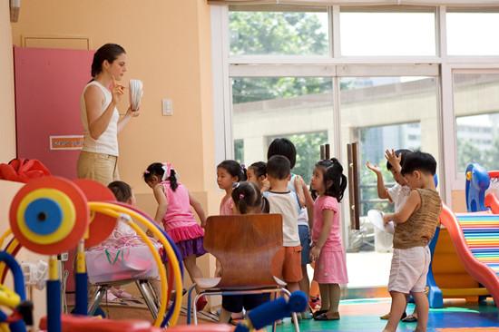 幼儿园老师和妈妈有什么区别?看完后家长值得深思!