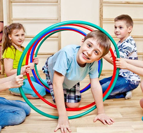 幼儿园常规教育必备小游戏 幼儿园一日活