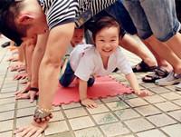 孩子爱玩的20个幼儿园亲子游戏 幼儿园亲子活动游戏大全