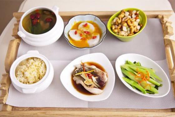 营养瘦身月子餐30天食谱 顺产、剖腹产妈咪通用版