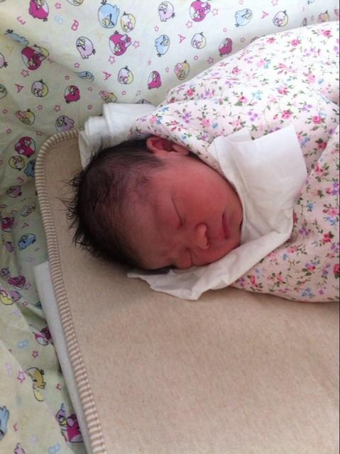 """从刚出生的婴儿图片大全 看新生宝宝到底有多""""丑"""""""