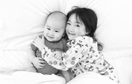 李小鹏李安琪二胎男孩名字是什么 在哪里出生今年几岁了