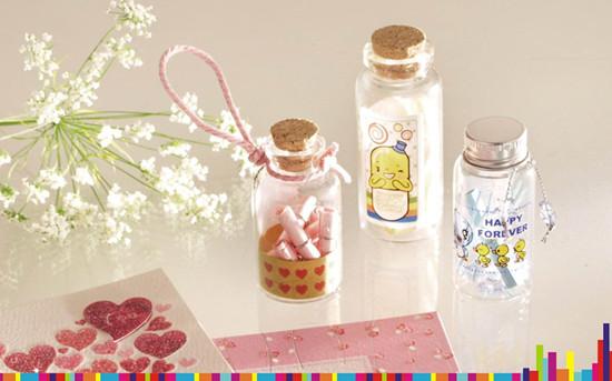 托班美术教案《我的许愿瓶》 幼儿园母亲节美术教案(2