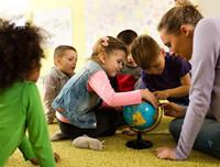 幼儿园为何总是经常换老师?原因让人心酸!