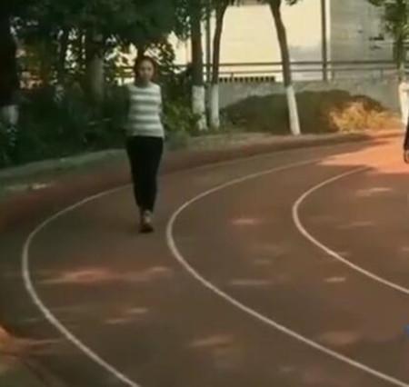林妙可为减肥每天跑3000米 这次真的瘦了