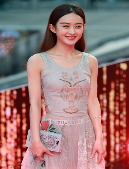 赵丽颖+皮皮虾衣服图片 唯美之中带点小性感
