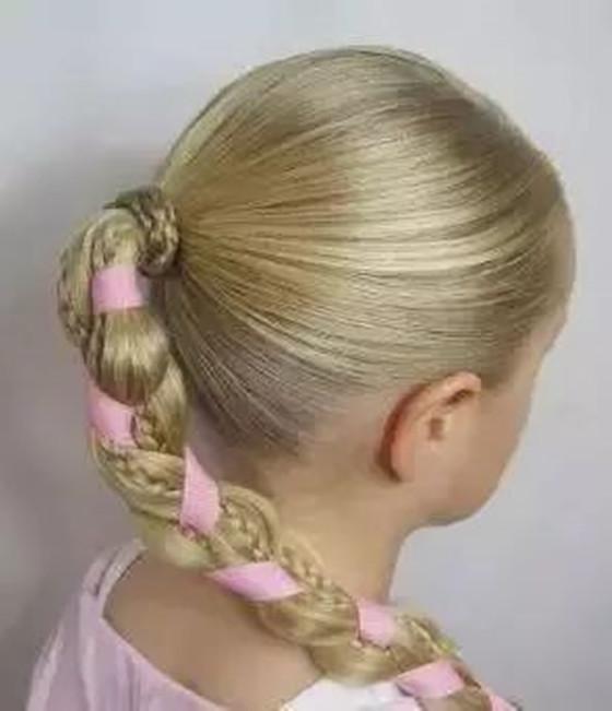 小女孩辫子100种图解算什么 儿童公主发型简单又漂亮