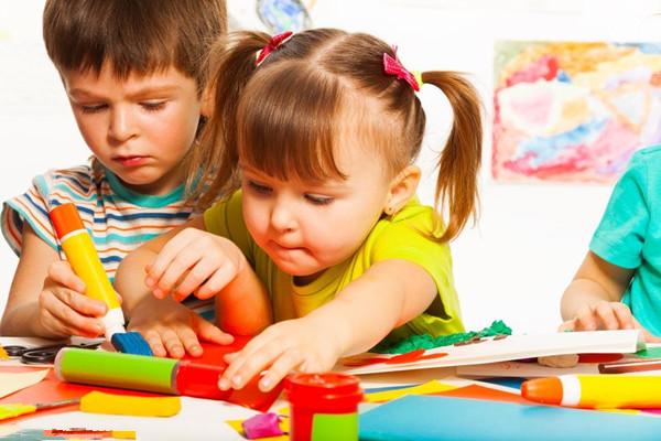 宝宝涂鸦的好处 有90%的家长不知道涂鸦的奥秘