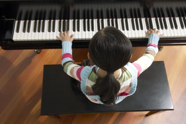 最适合女孩学的乐器 没有最适合只有最喜欢