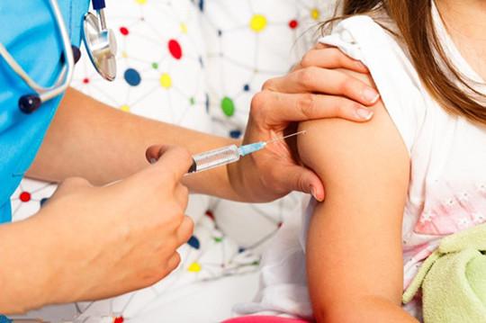 轮状毒疫苗不要打了辟谣 与2018年国产假疫苗事件无关