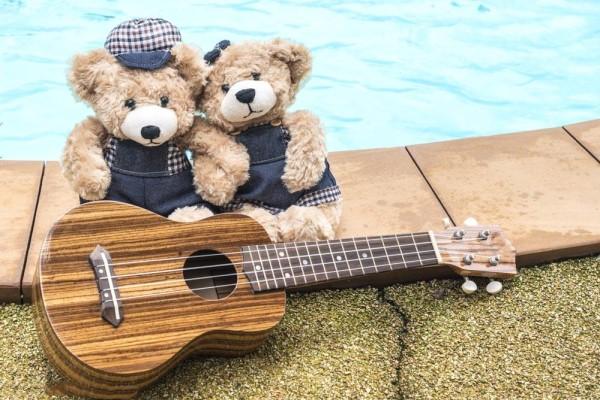 尤克里里适合多大孩子学 培养孩子爱乐器才是好的开始