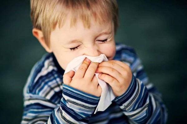 儿童过敏性鼻炎的最佳治疗方法 简单自我疗法
