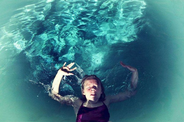 幼儿早教游泳溺水 这些溺水故事家长孩子共勉