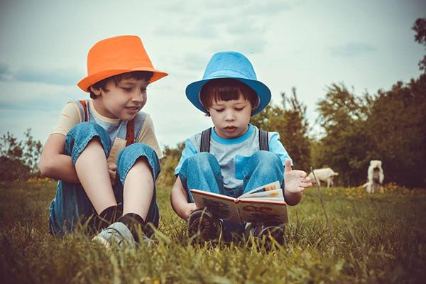 每日育儿知识小分享 如何引导孩子学会分享