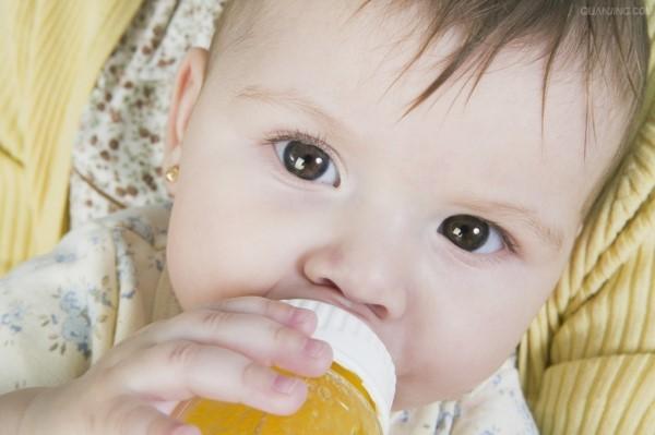 宝宝奶粉年龄段怎么喝