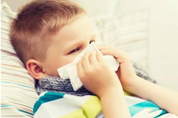 孩子嗓子发炎发烧偏方 最快速有效的缓解方法