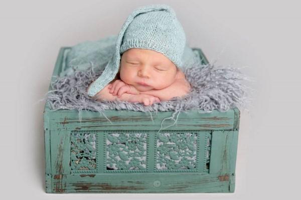 宝宝前囟门什么时候闭合 应该怎样护理才最好