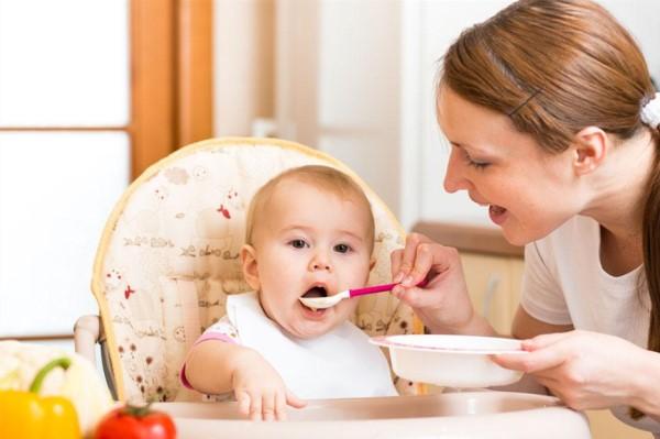一岁宝宝一日三餐排表 最科学营养的宝宝餐单