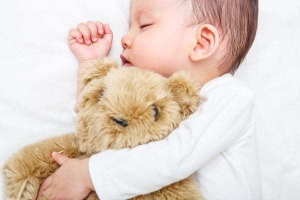 宝宝攒肚有哪些症状 攒肚不是大病妈妈不用太紧张