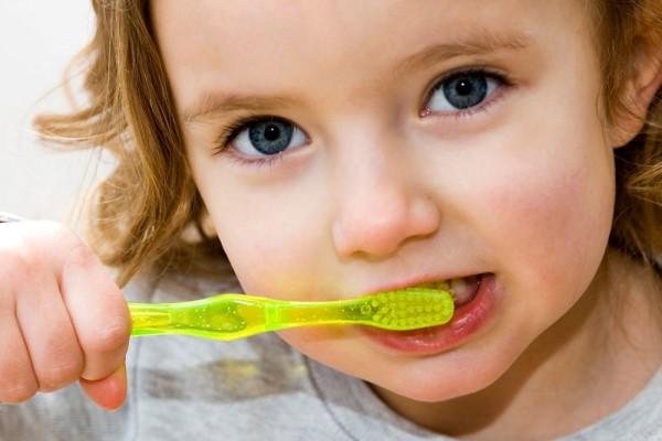 蛀牙如何让它停止腐蚀 停止腐蚀的办法原来这么简单