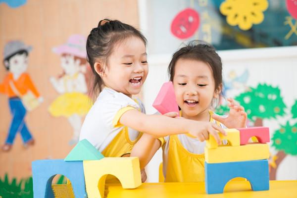 千万别送孩子去英语班 在家也能轻轻松松做英语早教