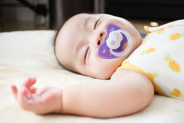 孩子口吃怎么纠正 这里是纠正宝宝口吃最好的方法