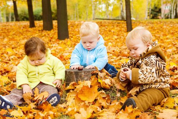 幼儿园秋天玩的游戏 让孩子尽情享受秋天的快乐