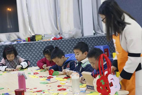 元旦亲子手工活动方案 幼儿园元旦节手工活动方案