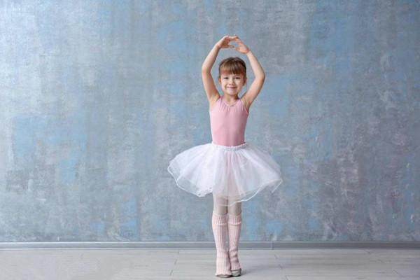 女孩学什么舞蹈能提升气质 这些舞蹈让女孩学准没错