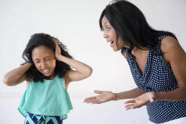 那些在父母大吼大叫中长大的孩子 都成了这几种人