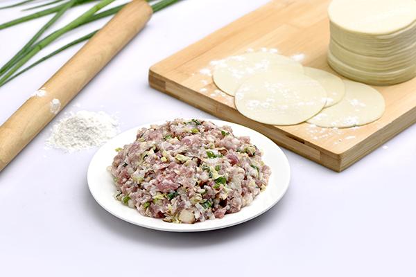 猪肉:白菜心1大颗,胡萝卜1/4根,材料50g左右,姜少许,香油少许,盐少许食邯郸品网图片