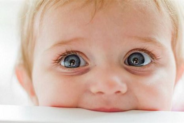 2岁宝宝智力低下表现 孩子出现这种症状就要注意