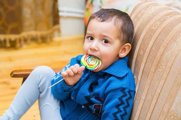 怎么改掉宝宝爱吃糖 聪明的宝妈都会用的好方法