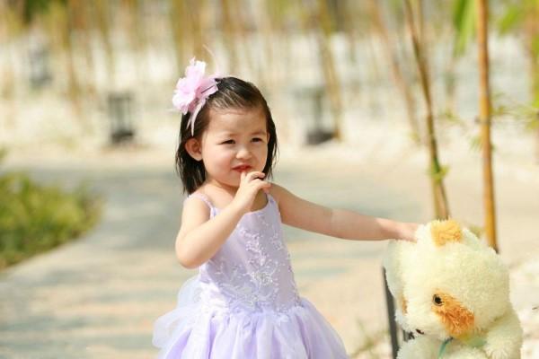 3岁宝宝吃手怎么戒掉 父母需警惕宝宝心理问题